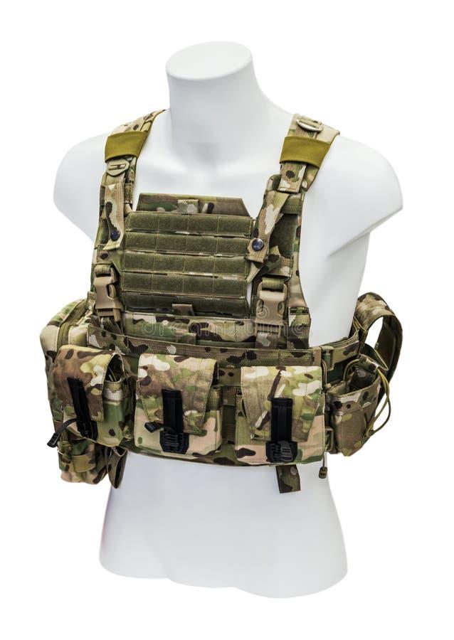 Soldado moderno do sistema de manipulação, uma veste à prova de balas e um sistema de bolsos fotografia de stock