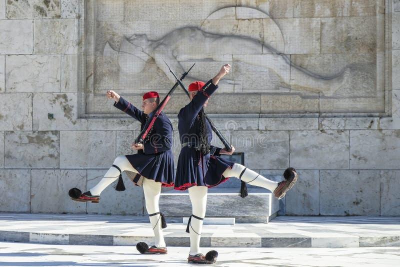 Soldado no quadrado no parlamento grego, Atenas do Syntagma, Grécia imagens de stock royalty free