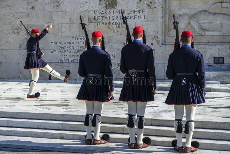 Soldado no quadrado no parlamento grego, Atenas do Syntagma, Grécia imagem de stock