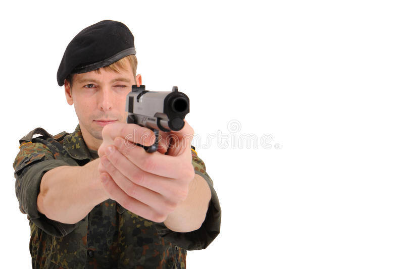 Soldado que aponta com injetor imagens de stock royalty free