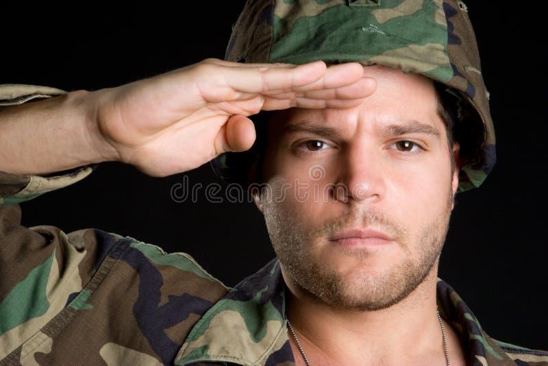 Soldado que saluda fotografía de archivo libre de regalías