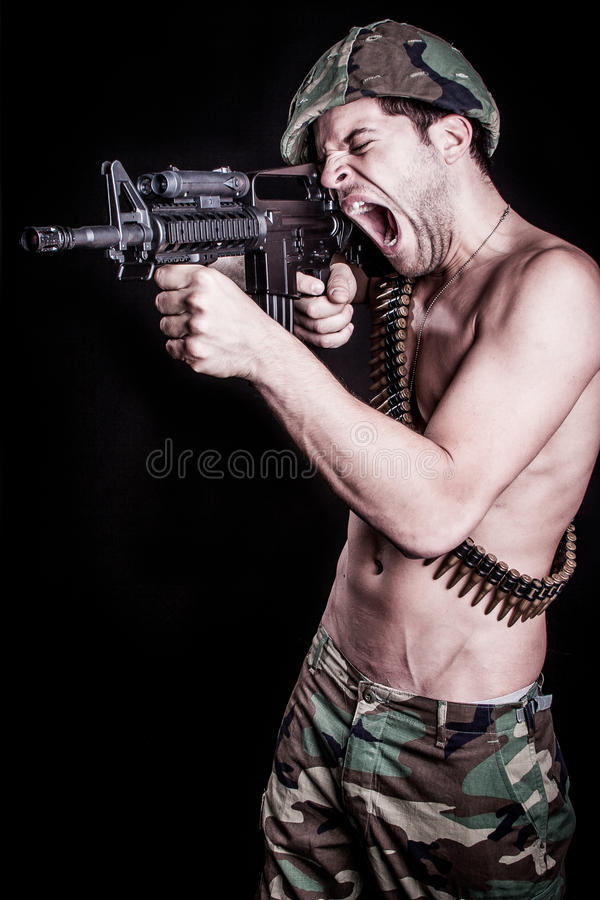 Soldado Shooting Gun fotos de stock royalty free