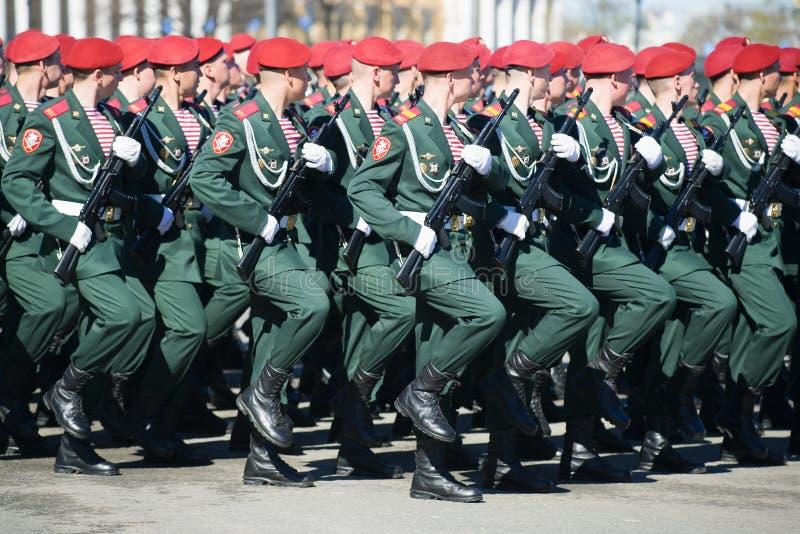 Soldados das tropas da guarda nacional de Rússia Rosguards fotos de stock royalty free