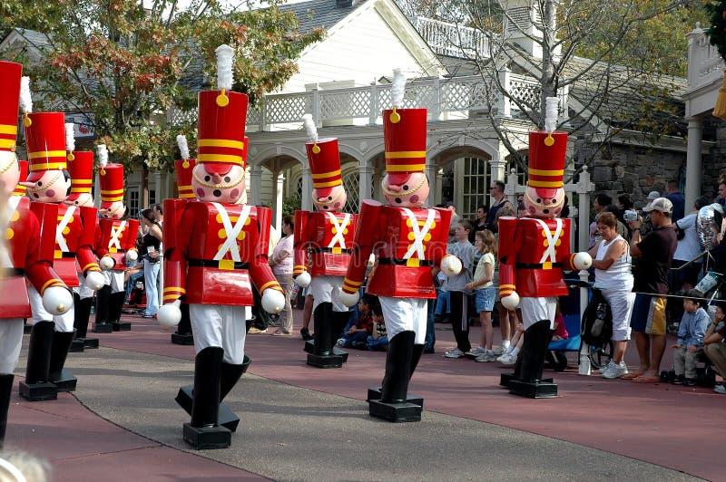 Soldados de brinquedo na parada do Natal do mundo de Disney fotografia de stock royalty free