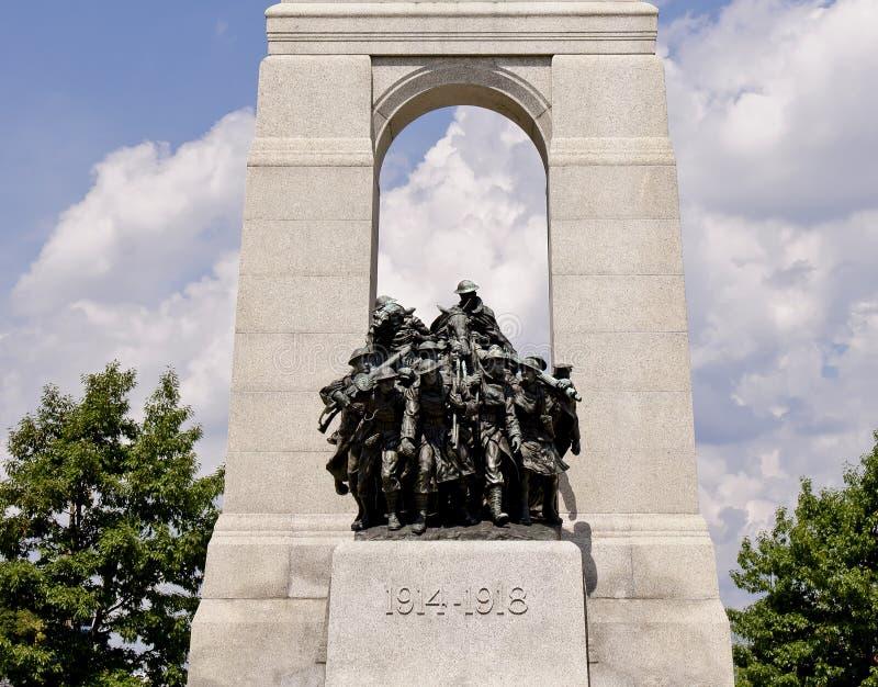 Soldados de bronce de la guerra imagen de archivo