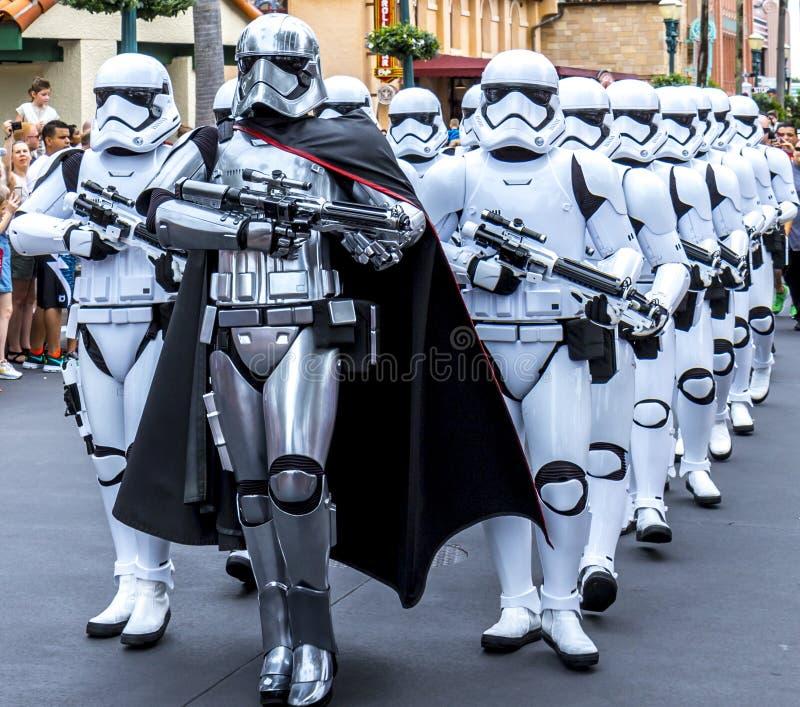 Soldados de caballería de tormenta de las Guerras de las Galaxias de los estudios de Orlando Florida Hollywood del mundo de Disne imágenes de archivo libres de regalías