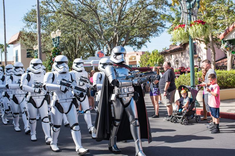 Soldados de tempestade de Star Wars em estúdios do ` s Hollywood de Disney imagens de stock royalty free