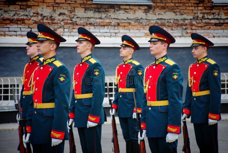 Soldados del guardia de honor Platoon del ministerio de asuntos internos fotografía de archivo