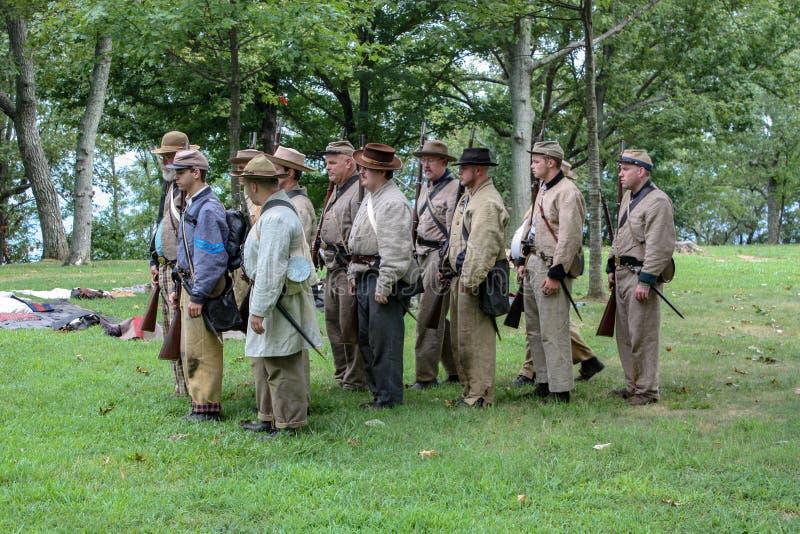 Soldados do Reenactment da guerra civil dos E.U. perto de Chattanooga foto de stock