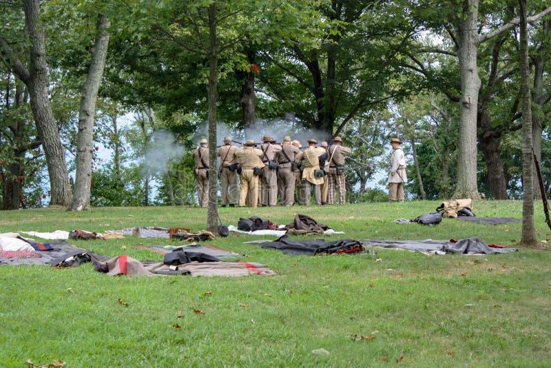 Soldados do Reenactment da guerra civil dos E.U. perto de Chattanooga imagens de stock