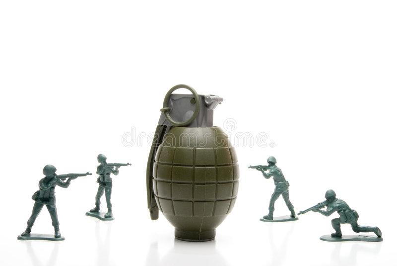Soldados e granada de mão imagem de stock