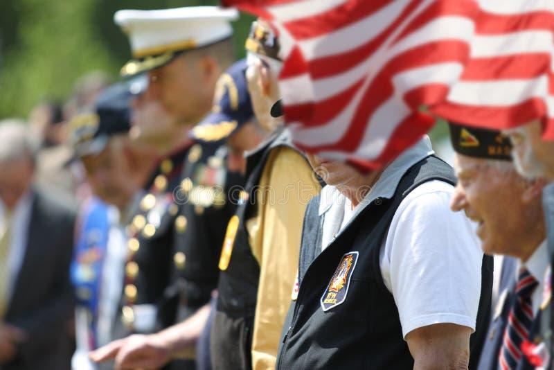 Soldados e veteranos em Memorial Day foto de stock