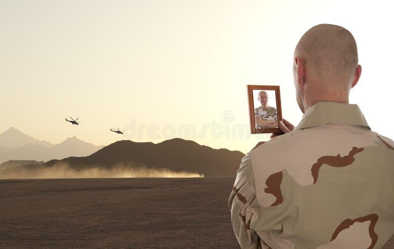 Soldados en guerra imagen de archivo libre de regalías