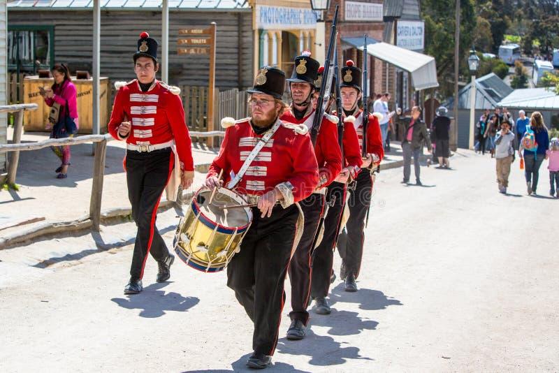 Soldados en una demostración en la colina soberana imagen de archivo