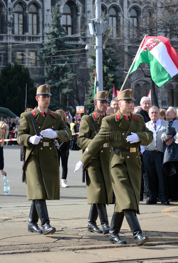 Soldados húngaros en uniforme imagen de archivo