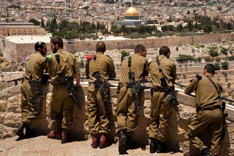 Soldados israelitas em Jerusalem fotos de stock