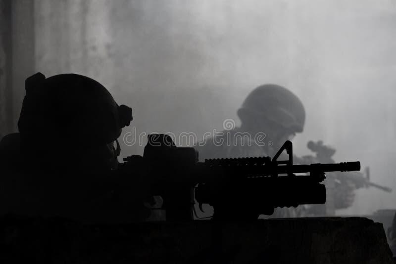 Soldados jovenes imagenes de archivo