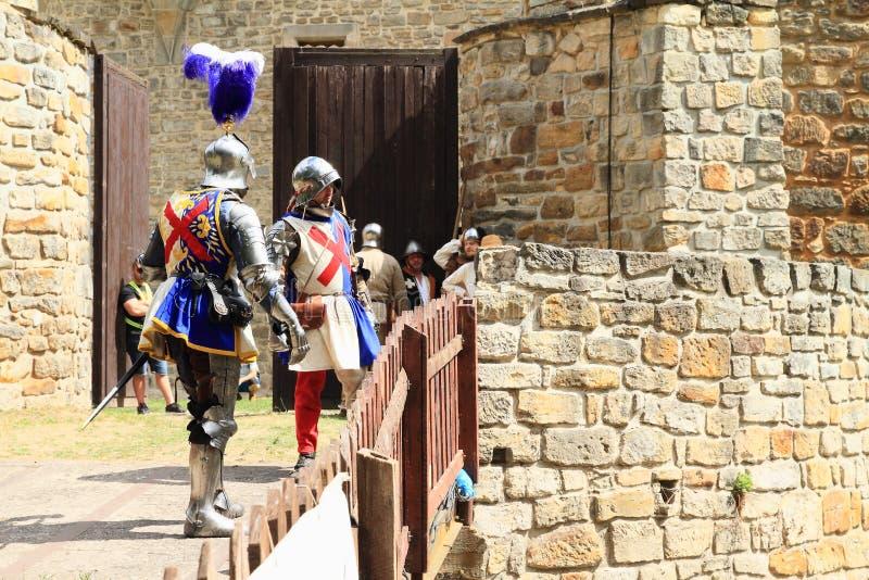 Soldados medievais - homens nobres na Batalha de Budyne foto de stock