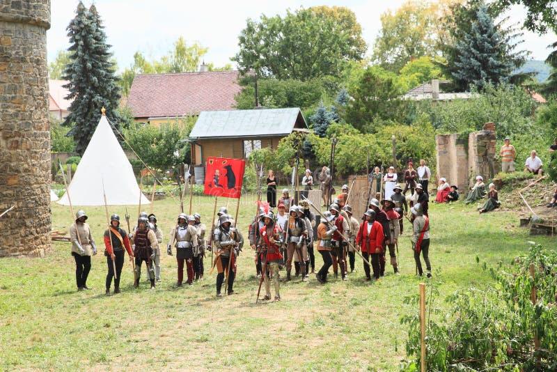 Soldados medievais na Batalha de Budyne imagens de stock royalty free