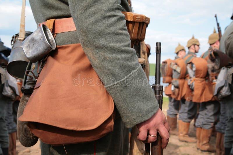 Soldados na mostra da primeira guerra de mundo imagem de stock royalty free