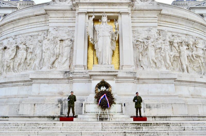 Soldados no della Patria de Altare roma fotografia de stock royalty free