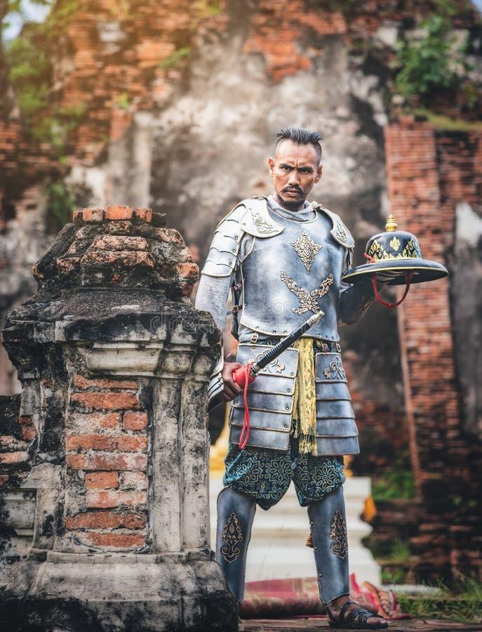 Soldados tailandeses antiguos listos para luchar para el hist del pasado de la nación adentro imagen de archivo