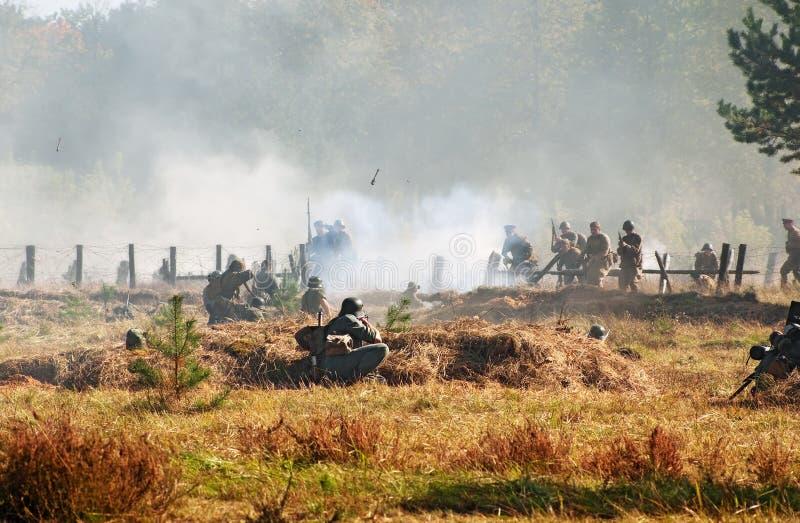 Soldados vermelhos e alemães - luta corpo a corpo fotos de stock royalty free
