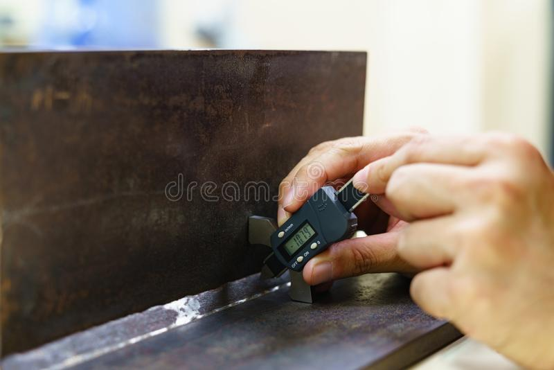 Soldagem da inspeção fotografia de stock
