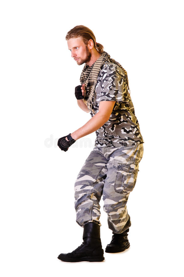 Soldat dans l'uniforme de camouflage photo stock