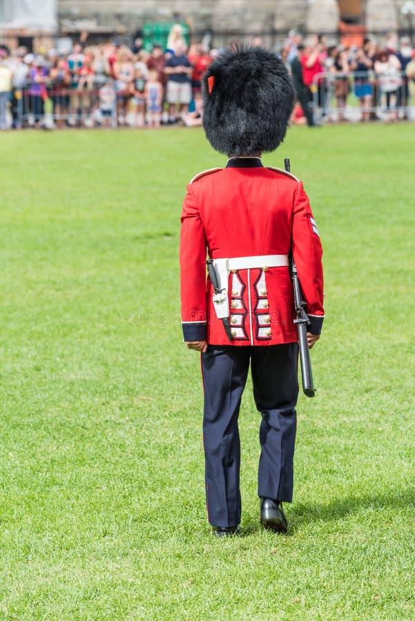 Soldat dans le changement de la garde dans le Canada photo libre de droits