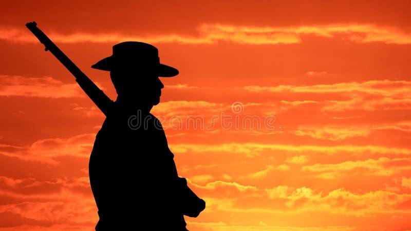 Soldat de l'Australien AIF au lever de soleil photographie stock libre de droits