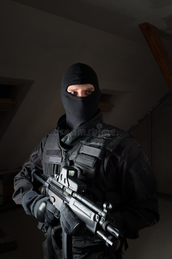 Soldat der besonderen Kräfte nach dem Streik stockfoto