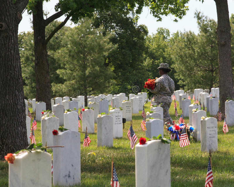 Soldat féminin Places Roses images stock