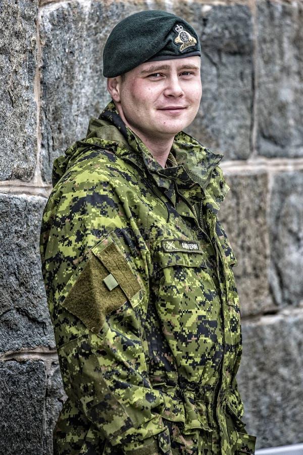 Soldat i de kanadensiska arméspecialförbanden royaltyfria foton