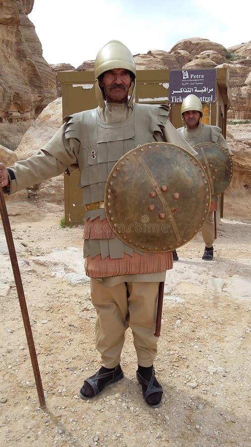 Soldat im alte Stadt PETRA stockfoto