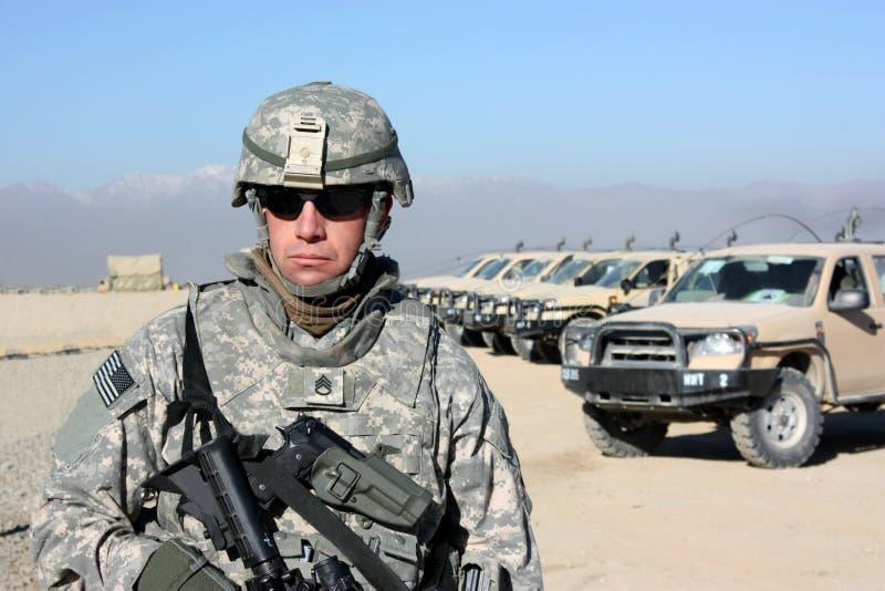Soldat im Freien stockfotos