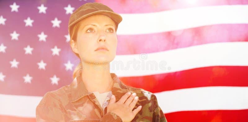 Soldat prenant l'engagement photographie stock