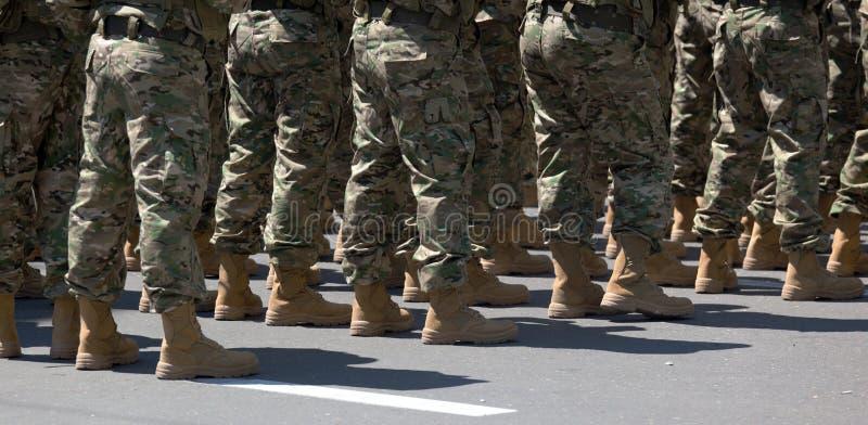 Soldaten in den Matten. Tbilisi. Georgia. lizenzfreie stockfotografie