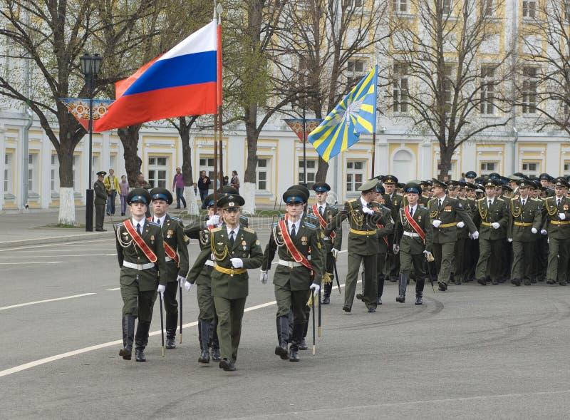 Soldaten der internen Truppen stockfotos