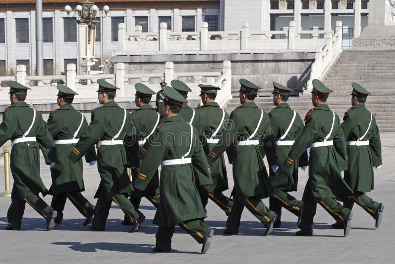 Soldati cinesi sul quadrato immagini stock libere da diritti