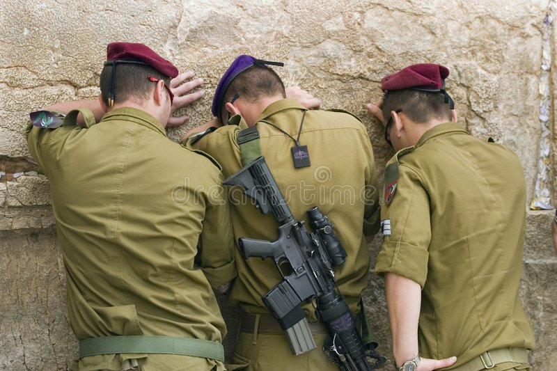 Soldati di preghiera fotografie stock libere da diritti