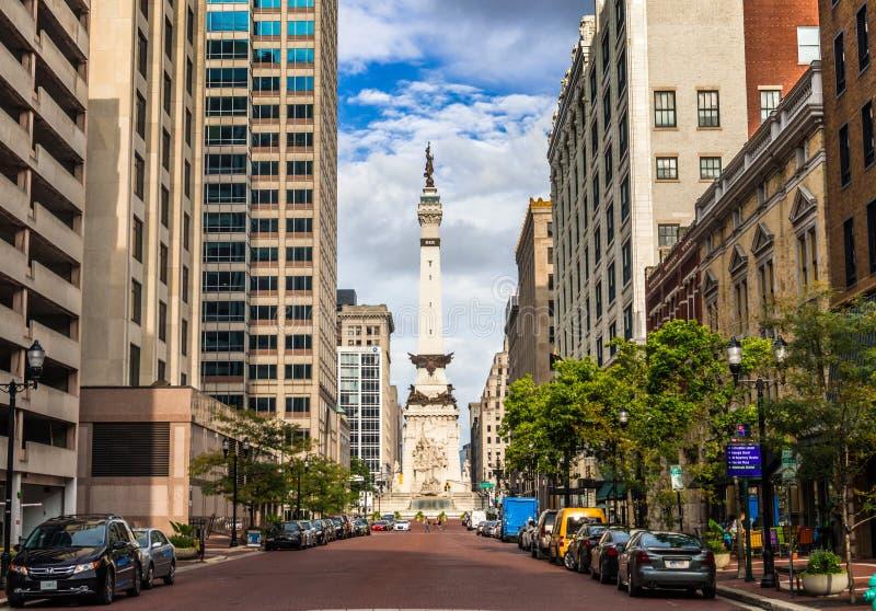 Soldati ed il monumento dei marinai a Indianapolis fotografia stock libera da diritti