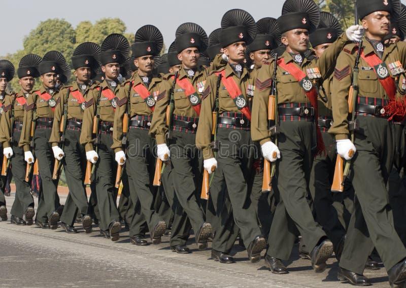 Soldati indiani dell'esercito sulla parata fotografia stock