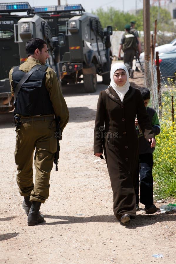 Soldati israeliani di occupazione nel Palestine immagine stock
