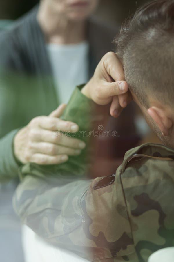 Soldato con la depressione fotografie stock libere da diritti