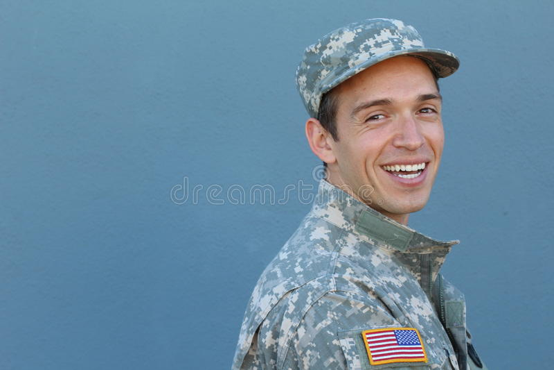 Soldato etnico in buona salute felice del maschio dell'esercito fotografia stock