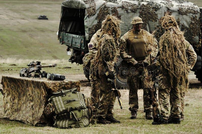 Soldato inglese con il fucile della lunga autonomia di L115A3 AWM fotografia stock libera da diritti