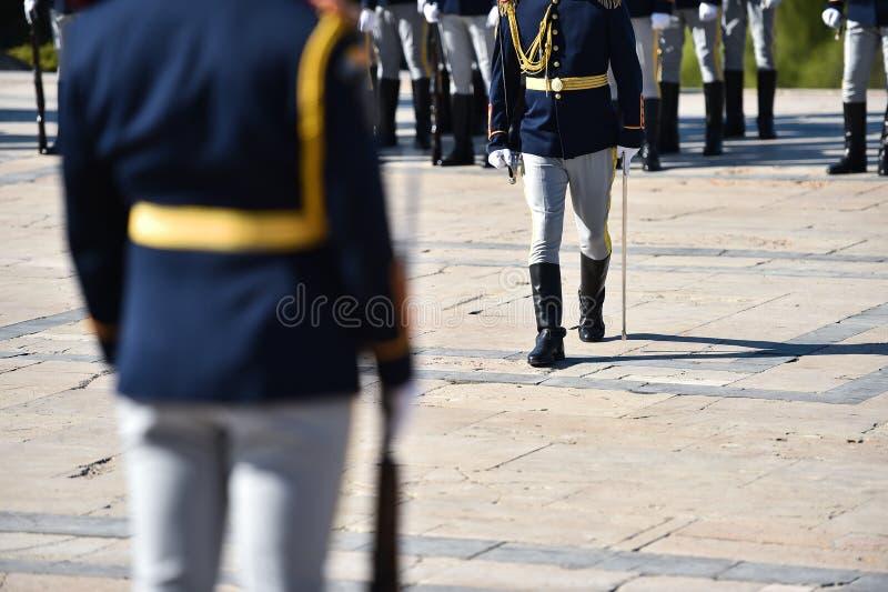Soldats dans des uniformes pendant la reconstitution militaire photos stock