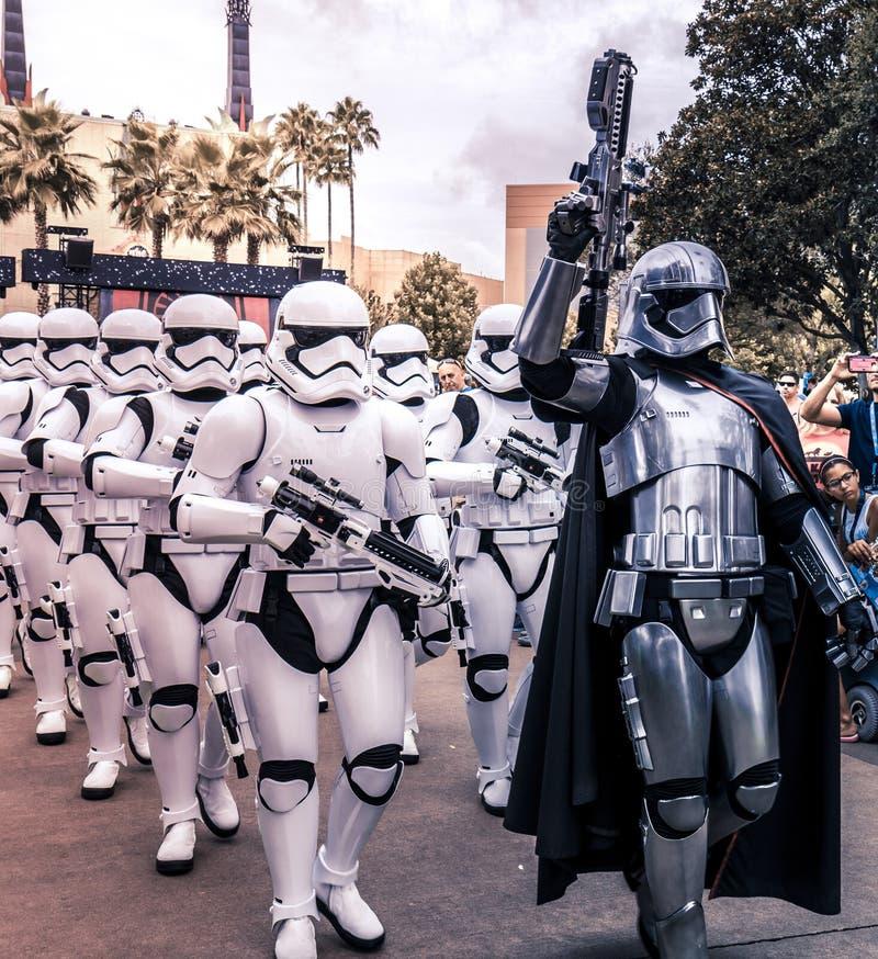 Soldats de la cavalerie de tempête de Guerres des Étoiles de studios d'Orlando Florida Hollywood du monde de Disney image stock