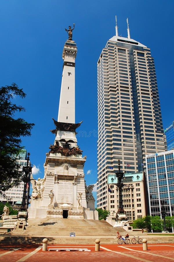 Soldats et monument Indianapolis de marins photos stock